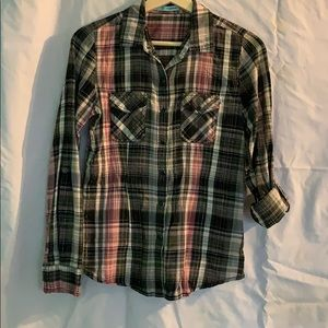Women's Maurices snap down top